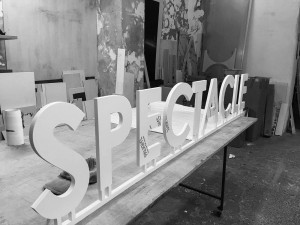 Spectacle